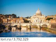 Купить «Тибр и собор Святого Петра в Риме», фото № 3792329, снято 13 декабря 2017 г. (c) Sergey Borisov / Фотобанк Лори