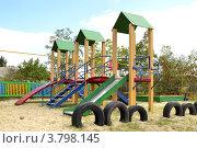 Детская площадка в Воеводовке (2012 год). Редакционное фото, фотограф Дмитрий Розкин / Фотобанк Лори