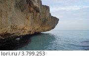 Фрагмент скалы на берегу моря. Стоковое фото, фотограф Игорь Петрунин / Фотобанк Лори
