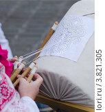 Плетение елецких кружев. Стоковое фото, фотограф Игорь Хамицаев / Фотобанк Лори
