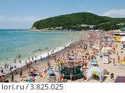 Купить «Пляж Джубга», фото № 3825025, снято 30 июля 2012 г. (c) Александр Овчинников / Фотобанк Лори
