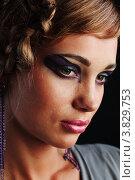 Купить «Лицо девушки с ярким макияжем», фото № 3829753, снято 28 июля 2011 г. (c) Иван Михайлов / Фотобанк Лори