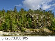Купить «Пороги на северной реке и скалы на берегу. Финская Карелия», фото № 3830105, снято 24 июля 2012 г. (c) Валерия Попова / Фотобанк Лори