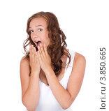 Купить «Девушка удивлена, прикрывает руками рот», фото № 3850665, снято 28 июня 2012 г. (c) Tatjana Romanova / Фотобанк Лори