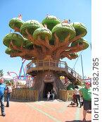 Купить «Сказочный дуб», фото № 3882785, снято 2 мая 2012 г. (c) Андрей Зинич / Фотобанк Лори