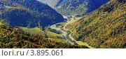 Купить «Панорама Зеленчукского ущелья. Дорога в горный курорт Архыз. КЧР», эксклюзивное фото № 3895061, снято 4 июня 2020 г. (c) Rekacy / Фотобанк Лори