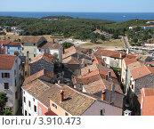 Купить «Вид сверху на город Версар и Адриатическое море. Хорватия. Европа», эксклюзивное фото № 3910473, снято 22 апреля 2019 г. (c) lana1501 / Фотобанк Лори