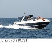 Купить «Катер плывет по Адриатическому морю. Хорватия, Европа», эксклюзивное фото № 3910781, снято 24 января 2019 г. (c) lana1501 / Фотобанк Лори