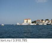 Купить «Вид на город Пореч и Адриатическое море. Хорватия. Европа», эксклюзивное фото № 3910785, снято 21 июля 2018 г. (c) lana1501 / Фотобанк Лори