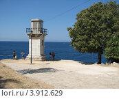 Купить «Маяк на берегу Адриатического моря. Город Ровинь. Хорватия. Европа», эксклюзивное фото № 3912629, снято 22 апреля 2019 г. (c) lana1501 / Фотобанк Лори