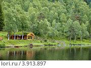 Купить «Домики на берегу фьорда», фото № 3913897, снято 24 октября 2008 г. (c) Estet / Фотобанк Лори
