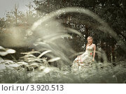 Портрет молодой женщины в волшебном лесу. Стоковое фото, фотограф Boris Bushmin / Фотобанк Лори