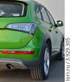 Автомобиль зеленый. Стоковое фото, фотограф Леонид Чернышов / Фотобанк Лори