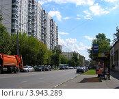 Купить «Вид на 9-ую Парковую улицу, район Измайлово. Москва», эксклюзивное фото № 3943289, снято 9 августа 2012 г. (c) lana1501 / Фотобанк Лори