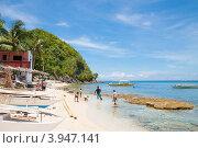 Купить «Филиппины, остров Апо. Песчаный пляж», фото № 3947141, снято 5 мая 2012 г. (c) Сергей Дубров / Фотобанк Лори