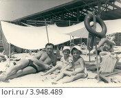 Купить «На пляже в Анапе, начало 1960-х», фото № 3948489, снято 14 октября 2019 г. (c) Илюхина Наталья / Фотобанк Лори