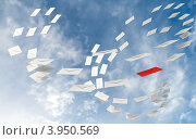 Купить «Спам с вихрем конвертов», иллюстрация № 3950569 (c) EugeneSergeev / Фотобанк Лори