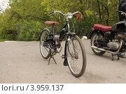 Велосипед с двигателем. Стоковое фото, фотограф Лев Соловьев / Фотобанк Лори