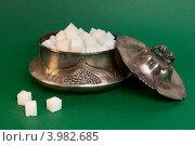 Купить «Кусковой сахар в старинной сахарнице», фото № 3982685, снято 2 ноября 2012 г. (c) Екатерина Панфилова / Фотобанк Лори