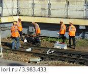 Купить «Ремонтные работы на железной дороге, станция Реутово, Московская область», эксклюзивное фото № 3983433, снято 22 июня 2012 г. (c) lana1501 / Фотобанк Лори