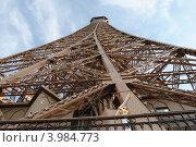 Эйфелева башня (2009 год). Стоковое фото, фотограф Олег Изюмченко / Фотобанк Лори