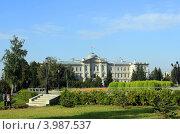 Купить «Здание Законодательного собрания Омской области», фото № 3987537, снято 15 сентября 2010 г. (c) Старостин Сергей / Фотобанк Лори