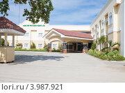 Купить «Вход в гостиницу Alona Kew White Beach Resort & Spa», фото № 3987921, снято 6 мая 2012 г. (c) Сергей Дубров / Фотобанк Лори