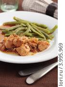 Купить «Гуляш со спаржевой фасолью», фото № 3995969, снято 1 августа 2012 г. (c) Stockphoto / Фотобанк Лори