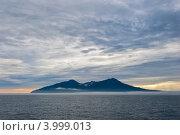 Купить «Остров в океане», фото № 3999013, снято 21 августа 2012 г. (c) Владимир Серебрянский / Фотобанк Лори