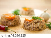 Купить «Заливное из мяса», фото № 4036825, снято 20 ноября 2012 г. (c) Peredniankina / Фотобанк Лори