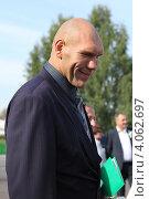 Депутат Николай Валуев в Кузбассе (2012 год). Редакционное фото, фотограф Константин Челомбитко / Фотобанк Лори
