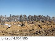 Купить «Устройство грунтового основания на болоте», эксклюзивное фото № 4064885, снято 8 ноября 2012 г. (c) Валерий Акулич / Фотобанк Лори