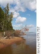 Берег реки. Стоковое фото, фотограф Павел Спирин / Фотобанк Лори