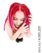 Купить «Юная девушка с розовыми дредами на белом фоне», фото № 4085205, снято 15 ноября 2008 г. (c) Syda Productions / Фотобанк Лори
