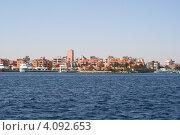 Купить «Жилые дома вдоль береговой линии на красном море», фото № 4092653, снято 2 декабря 2012 г. (c) Робул Дмитрий / Фотобанк Лори