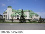 Купить «Один из театров Уфы», фото № 4092865, снято 22 апреля 2012 г. (c) Борис Кунин / Фотобанк Лори