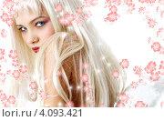 Купить «Портрет привлекательной женщины крупным планом на фоне с лепестками», фото № 4093421, снято 14 августа 2006 г. (c) Syda Productions / Фотобанк Лори