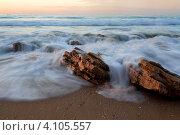 Купить «Вид на средиземное море и прибой в часы заката», фото № 4105557, снято 9 декабря 2012 г. (c) Николай Винокуров / Фотобанк Лори