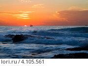 Купить «Вид на средиземное море и прибой в часы заката», фото № 4105561, снято 9 декабря 2012 г. (c) Николай Винокуров / Фотобанк Лори
