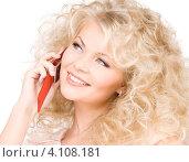Купить «Очаровательная девушка с мобильный телефоном на белом фоне», фото № 4108181, снято 21 ноября 2009 г. (c) Syda Productions / Фотобанк Лори