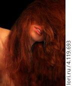 Купить «Рыжая девушка на черном фоне», фото № 4119693, снято 3 января 2006 г. (c) Syda Productions / Фотобанк Лори