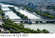 Купить «Мосты через Сену в Париже. Франция», фото № 4121501, снято 31 июля 2012 г. (c) Олег Тыщенко / Фотобанк Лори