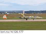 Купить «Международный авиационно-космический салон МАКС-2011. Посадка истребителя Су-35», фото № 4126177, снято 19 августа 2011 г. (c) Игорь Долгов / Фотобанк Лори