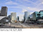 Париж. Деловой квартал Дефанс (La Défense) (2012 год). Редакционное фото, фотограф Tatiana Dubova / Фотобанк Лори
