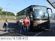 Купить «Заказной автобус», эксклюзивное фото № 4138413, снято 30 июля 2012 г. (c) Free Wind / Фотобанк Лори