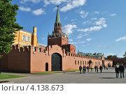 Купить «Кремль, Александровский сад, Москва», эксклюзивное фото № 4138673, снято 24 мая 2012 г. (c) lana1501 / Фотобанк Лори