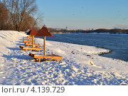 Купить «Коломенская набережная зимой, Москва», эксклюзивное фото № 4139729, снято 12 декабря 2012 г. (c) lana1501 / Фотобанк Лори