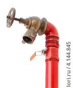 Купить «Красный пожарный гидрант с вентилем на белом фоне», фото № 4144845, снято 25 сентября 2012 г. (c) EugeneSergeev / Фотобанк Лори