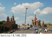Купить «Праздник автомобильного спорта с участием команд Формулы 1, Москва», эксклюзивное фото № 4146393, снято 16 июля 2011 г. (c) lana1501 / Фотобанк Лори