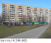 Купить «Хабаровская улица, 9, район Гольяново, Москва», эксклюзивное фото № 4146465, снято 1 апреля 2010 г. (c) lana1501 / Фотобанк Лори